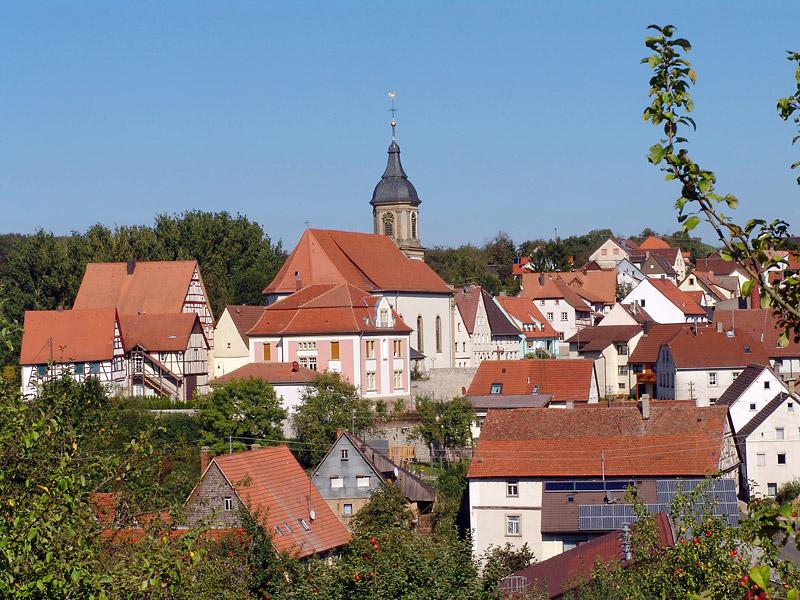 Panorama über den Ortskern von Ravenstein